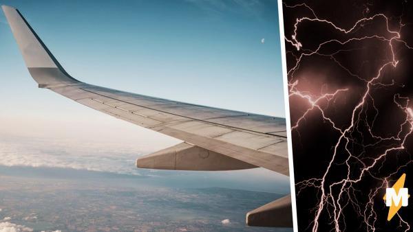 Пассажиры сели в самолёт - и привет, аэрофобия. Полёт превратился в хоррор, когда они посмотрели в иллюминатор