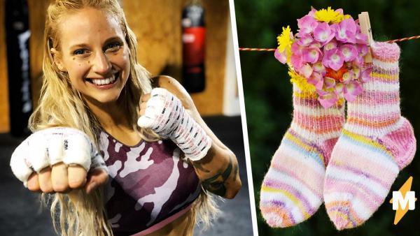 Боксёрша придумала лайфхак, как не стирать носки, и заработать. Помогли фаны с кошельками и необычными хобби