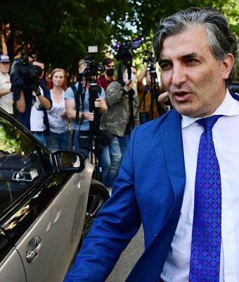 Люди увидели адвоката Ефремова поющим «Мурку» и решили: это привет актёру. Поверили зря, но хейт не погасить