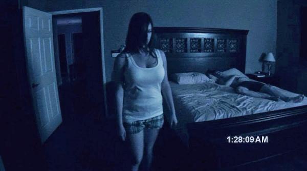 Парень уверен: его семью атаковал призрак. Доказательства - странное поведение отца и криповый голос на аудио