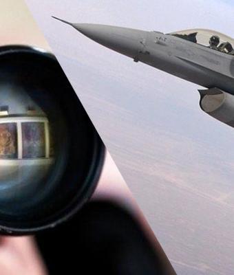 Фотограф показал закулисье самой эпичной съёмки. Он управляет истребителями, словно Магнето из «Людей Икс»
