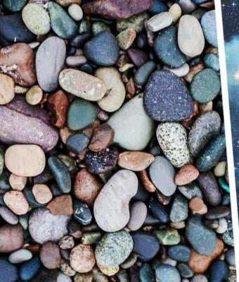 Парень показал движущийся на фото камень. Никакой мистики — оптическая иллюзия, которую видят лишь избранные