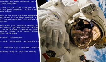 Что может быть хуже синего экрана смерти? Когда его показывает комп на космическом корабле, зависшем на орбите