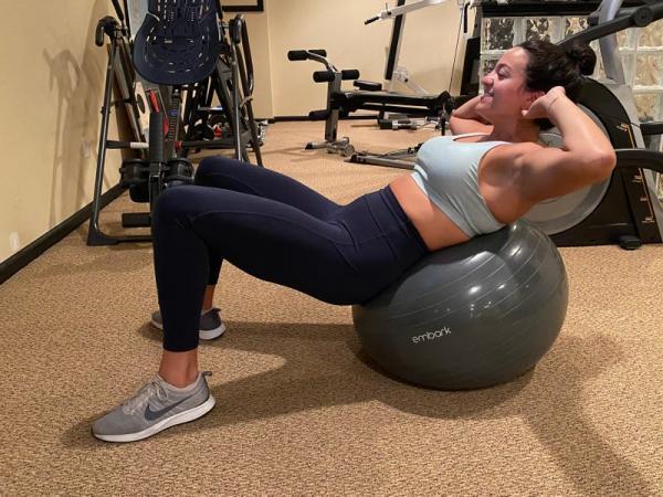 Девушка решила 2 недели тренироваться в точности как Ким Кардашьян. Выводы неутешительны, но лишь для селебы