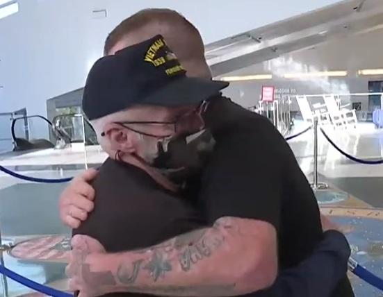 Фейсбук заставил поплакать семью, которая потеряла своего родственника. Спойлер: это были слёзы счастья