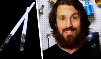 Инженер собрал выдвижной световой меч из «Звёздных войн» и разрезал дверь. Люди верят: ему помогает Сила