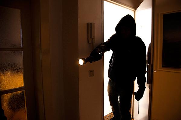 Грабители рассказали, на что они обращают внимание при выборе жертвы.