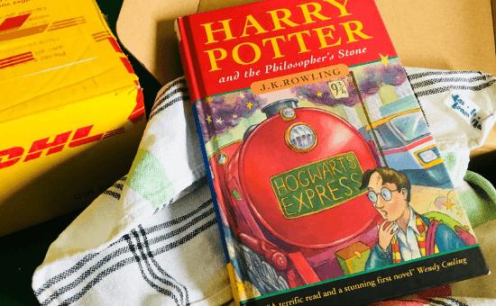 Отец хранил книгу 21 год и не зря - она стала порталом не только в мир магии и волшебства, но и богатую жизнь