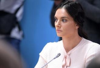 Елена Исинбаева сбилась с мысли, выступая перед президентом. И люди сразу припомнили ей поправки в Конституцию