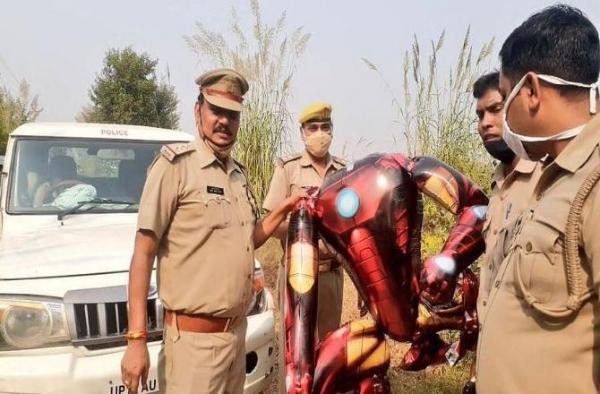 Произошёл первый контакт с пришельцем. Жители Индии убеждены, что где-то его уже видели.