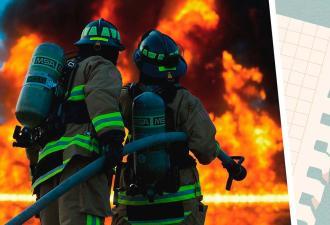 Хозяин плакал после пожара, но не из-за сгоревшего дома. Нервы сдали, когда он увидел записку от спасателей