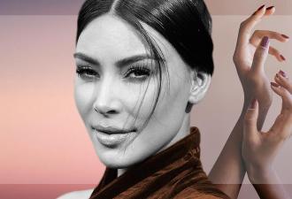 Ким Кардашьян запостила фото с сёстрами, и её рука исчезла. Фаны обвинили звезду в фотошопе, но поторопились