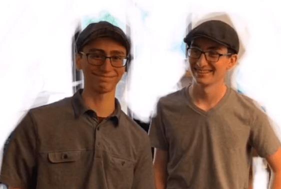 Парень переехал в общагу, и соседом по комнате оказался его брат близнец. Не родной, но это ещё больше пугает