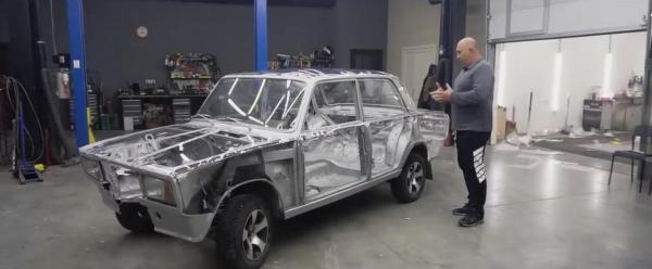 Ютуберы из России создали прозрачную машину. Иностранцы в восторге: эта тачка покруче самолёта Чудо-женщины