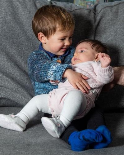 Пара родила близнецов и нарушила законы природы. Один из детей старше другого на два года
