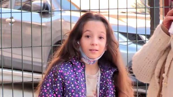 Маленькая девочка растила косу как у Рапунцель, но лишилась её. Она сделала это добровольно и стала принцессой