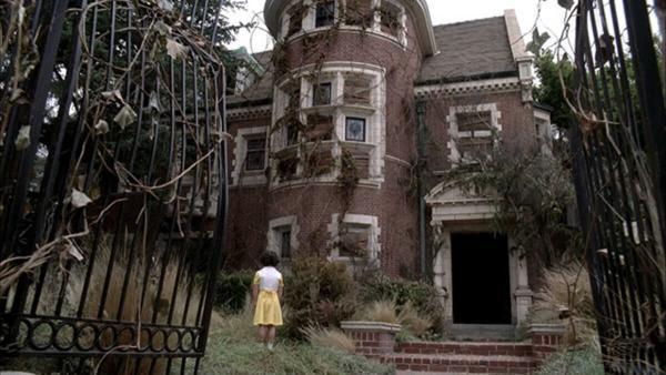 Владелица дома из «Американской истории ужасов» рассказала, каково жить там. Фаны сериала боялись не зря