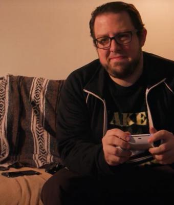 Блогер решил вставить диск в PS5Digital Edition. Спойлер: всё получилось (и сделать больно геймерам — тоже)