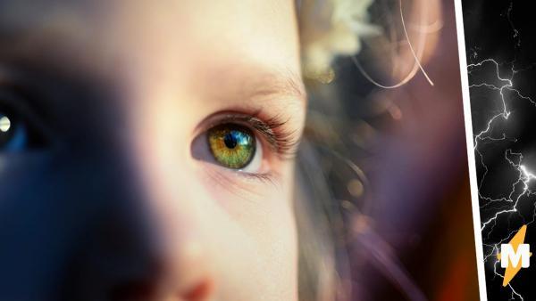 Мама показала фото глаз дочери и напугала людей. Они уверены: на них смотрит не девочка, а киборг