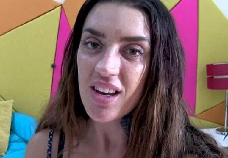 Девушку обзывали из-за внешности, и та решила проблему пластикой. Но мать в горе - её дочь стала трансформером
