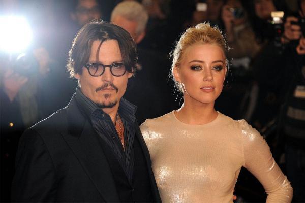 """Люди выгоняют Эмбер Хёрд из """"Аквамена 2"""", а актриса - кремень. Но слова о фильме погрузили её в пучину хейта"""
