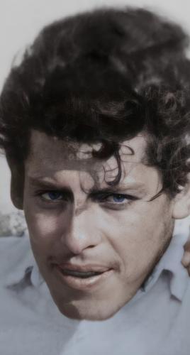"""Парень вернул деду лицо, восстановив старое повреждённое фото. Но от зубов мужчины повеяло """"зловещей долиной"""""""