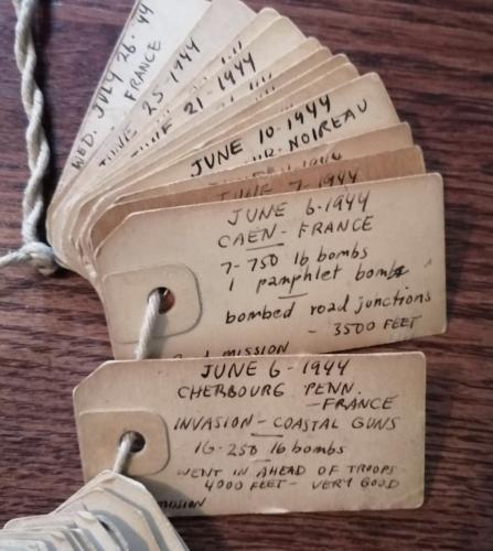 Парень нашёл у деда стопку странных бумажек. Это пройденные миссии с бомбой, и речь вовсе не о видеоиграх