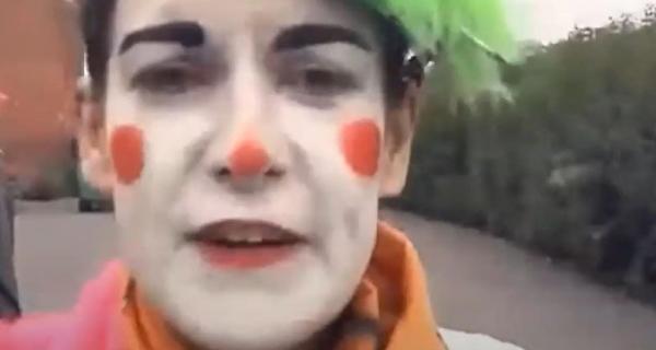 Полицейская работала под прикрытием у клоунов и обманула их. Те нанесли ответный удар, но до Джокера им далеко