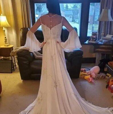 Невеста похвасталась лучшим свадебным платьем и отпугнула жениха. Замуж её теперь, похоже, не позовёт никто