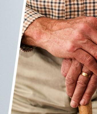 Мужчина нашёл сломанную безделушку, но починив её, чуть не расплакался. Внутри уже 27 лет его ждало послание