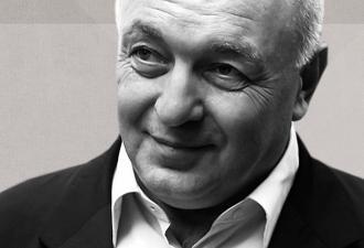 Умер основатель бренда «Б.Ю. Александров». Почему его сырки запомнились людям и что говорят о его смерти