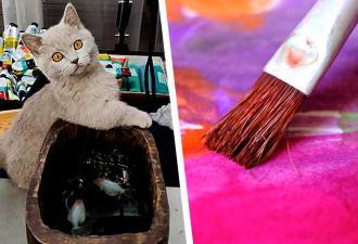 Художник нарисовал рыбу и сломал кота. Картина вышла такой реалистичной, что хвостатый объявил на неё охоту