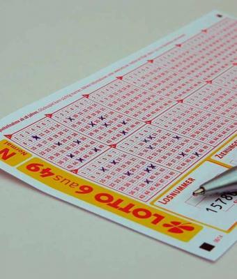 Мужчина играл в лотерею и ошибся. Но о таком фейле мечтает любой, ведь его цена — 112 миллионов рублей