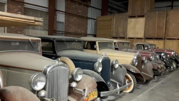 Наследники заглянули в гараж дедушки и попали в . Его коллекция разобьёт сердца автолюбителей