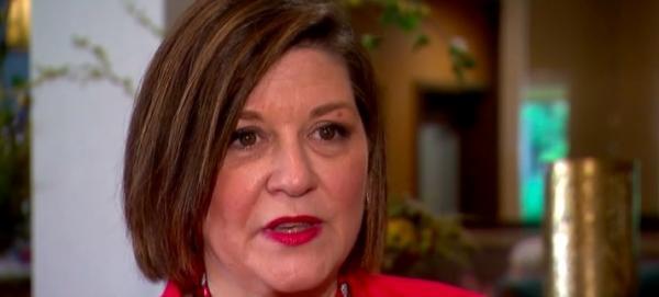 Женщина сделала ДНК-тест и начала жизнь заново. 50 лет она не знала главного: у неё есть двойник, и не один