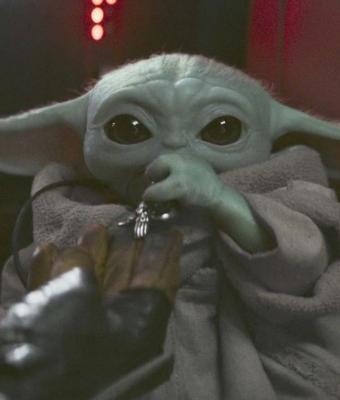 Актёр «Мандалорца» объяснил, почему малыш Йода — «он или она». Возможно, мы зря считаем героя мальчиком