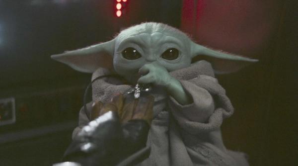 """Актёр """"Мандалорца"""" рассказал, почему малыш Йода - """"он или она"""". Возможно, мы зря считаем героя мальчиком"""