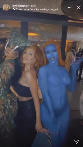 Кендалл Дженнер попыталась скрыть свою вечеринку, но гости её спалили. Теперь люди обвиняют звёзд в лицемерии