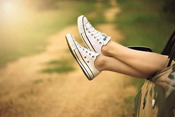 Девушка показала на Reddit свои уникальные стопы. Они 48 размера, и Толкин передаёт ей привет