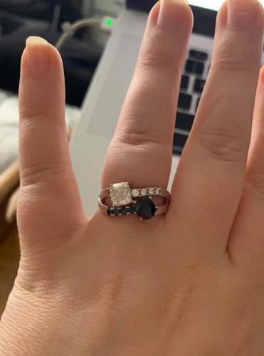 Жених подарил невесте кольцо под заказ и сорвал свадьбу. Дизайн украшения поставил в отношениях жирную точку