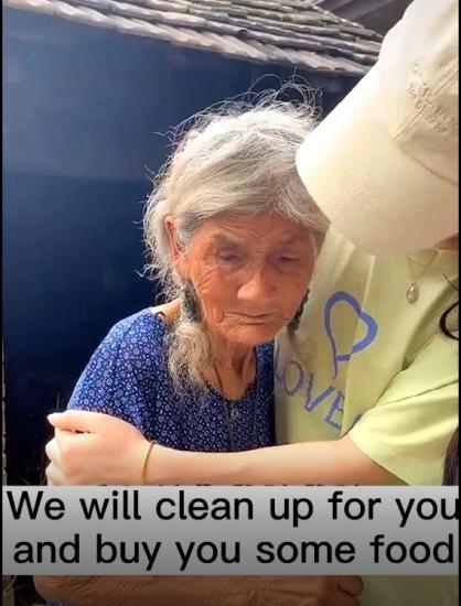 Внуки прибрались у бабули