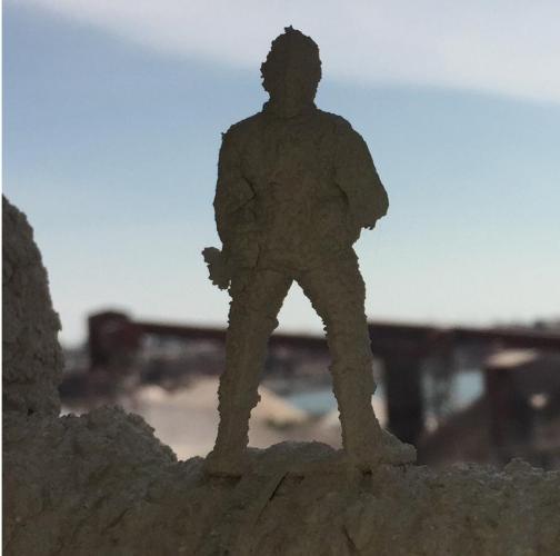 Куда пропадают игрушечные солдатики - показал работник завода.