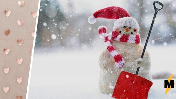 Девушка слепила снеговика и перфекционисты счастливы. Ведь настолько круглых снежных шаров мир ещё не видел