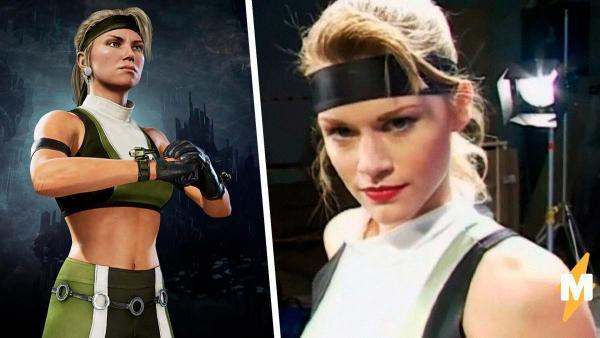 Модель, сыгравшая Соню Блейд в Mortal Kombat, надела костюм спустя 25 лет. Её тело сделало фаталити фанам