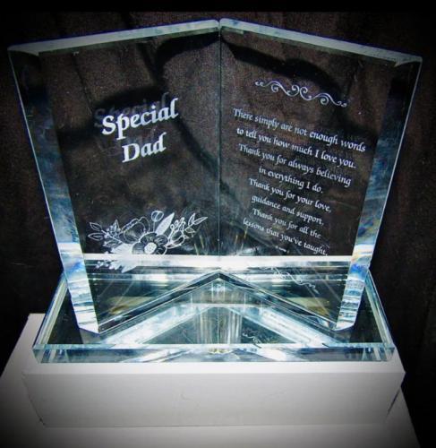 Дочь заказала папе подарок, но зря невнимательно прочитала описание. Своим презентом она свела отца в могилу
