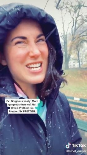 Девушка показала себя на видео, и сломала людей. Ведь в ней они видят все роли Киры Найтли