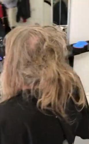 Барбер постриг бездомного старика, и его ждал сюрприз. Скрывать такую внешность - преступление против красоты