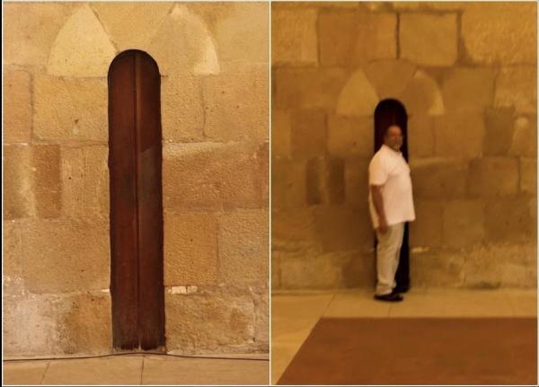 Людей напугала узкая дверь в монастыре Португалии. Зря: узнав секрет прохода, захочется перевезти его в Россию