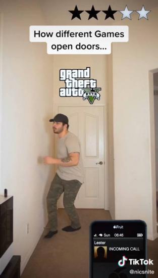 Парень показал, как герои компьютерных игр могли заходить в двери