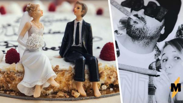 Невеста пошутила над женихом на свадьбе, но кажется, зря. Ведь его ответ при помощи торта - повод для развода